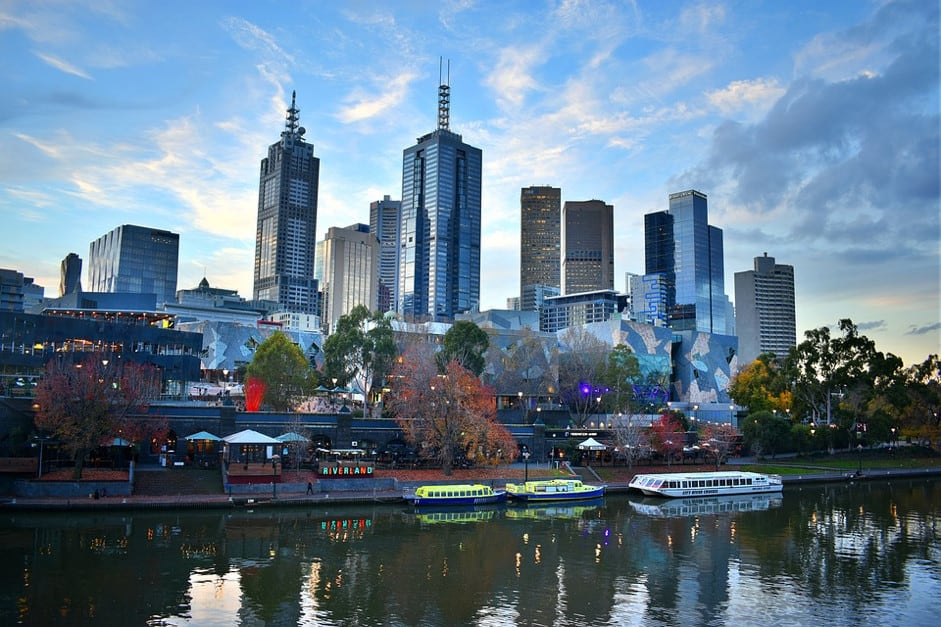 Sightseeing Boat Tour: How to Organize a Boat Party in Melbourne